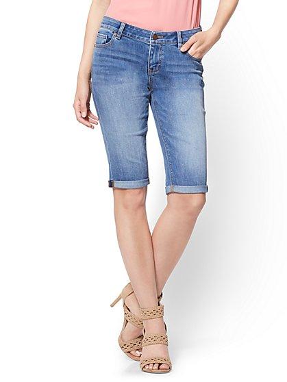 Soho Jeans - Bowery Bermuda - Razor Blue Wash - New York & Company