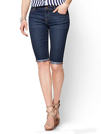 Soho Jeans - Curvy Bermuda Short - Flawless Blue Wash - New York & Company