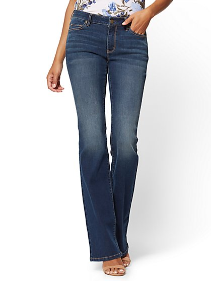 Soho Jeans - Curvy Bootcut - Flawless Blue Wash - Petite - New York & Company