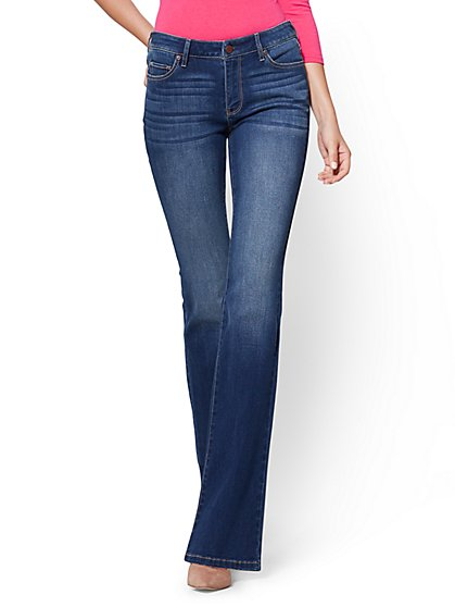 Soho Jeans - Curvy Bootcut - Force Blue Wash - Average - New York & Company