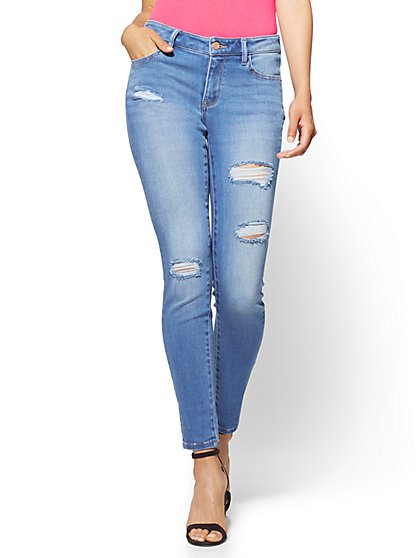 Soho Jeans - Destroyed Curvy Legging - Blue Society Wash - Petite - New York & Company