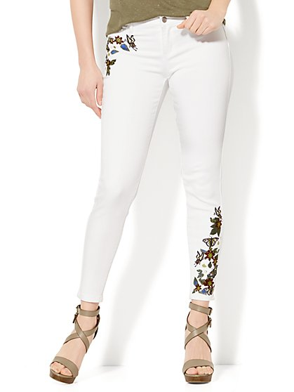 Soho Jeans - Embroidered Ankle - White - New York & Company
