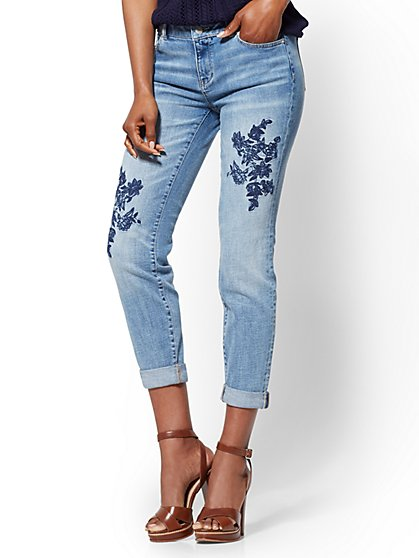 Soho Jeans - Embroidered Curvy Boyfriend - Blue Funk Wash - New York & Company