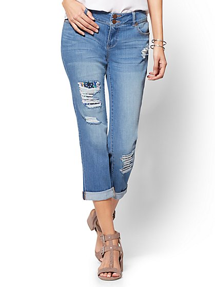 Soho Jeans - Embroidered Repaired Cropped Boyfriend - New York & Company