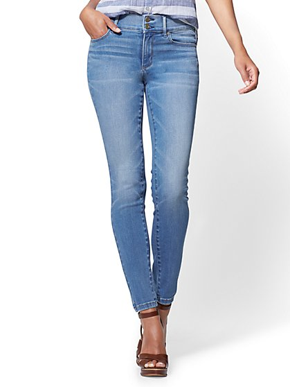 Soho Jeans - High-Waist Legging - Heartbreaker Blue Wash - Petite - New York & Company