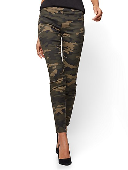 Soho Jeans - High-Waist Pull-On Ankle Legging - Camouflage Print - Tall - New York & Company