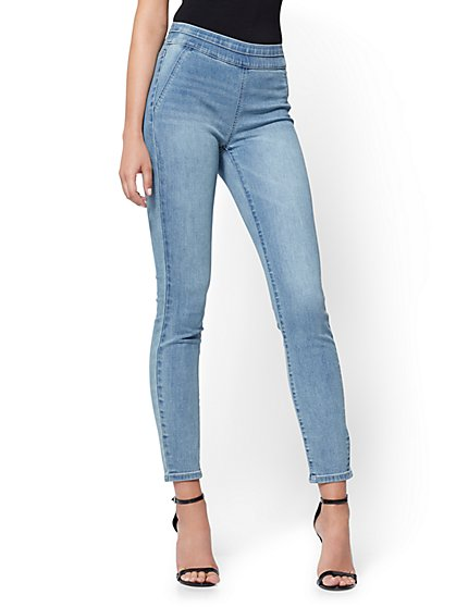 Soho Jeans - High-Waist Pull-On Legging - Blue  Supreme Wash - New York & Company
