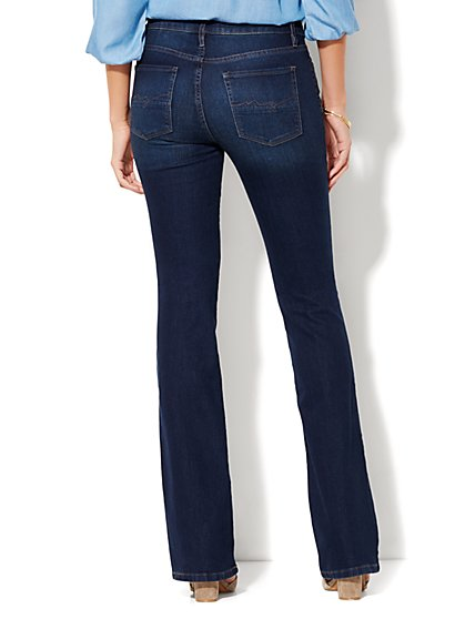 Curvy Fit Jeans for Women | Stretch Jeans | NY&C