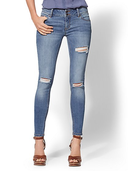 Soho Jeans - NY&C Runway - Contour Stretch - Destroyed Curve Creator Legging - New York & Company