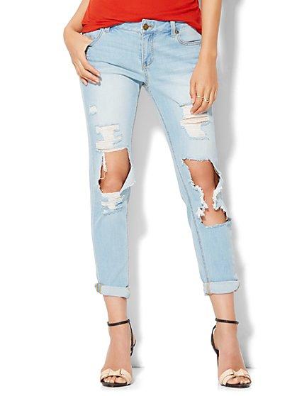 Soho Jeans - Relaxed Boyfriend - Sassy Blue Wash  - New York & Company