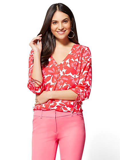 Soho Soft Shirt - Pleated V-Neck Blouse - Floral - New York & Company