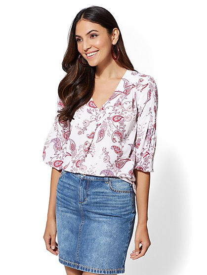 Soho Soft Shirt - Print V-Neck Blouse - New York & Company