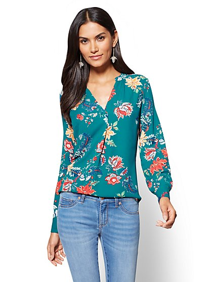 Soho Soft Shirt - V-Neck Blouse - Floral  - New York & Company