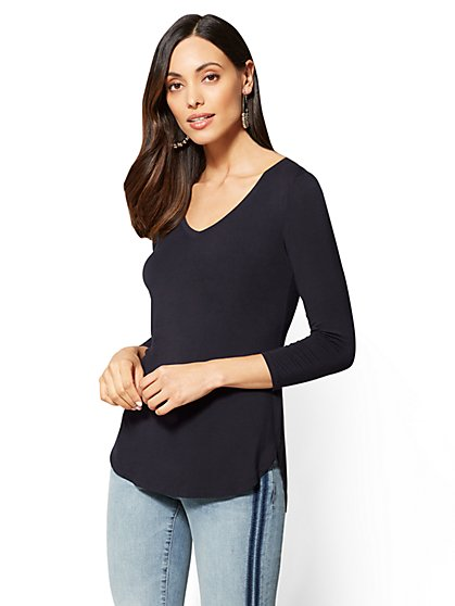 Soho Soft Tee - 3/4 Sleeve - V-Neck Tee - New York & Company