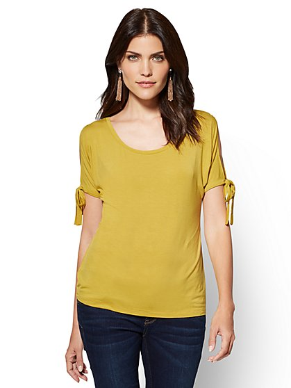 Soho Soft Tee - Cold-Shoulder Dolman T-Shirt  - New York & Company