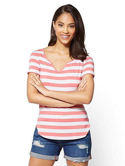 Soho Soft Tee - Split-Neck Hi-Lo Top - Stripe - New York & Company