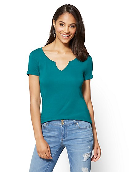 Soho Soft Tee - Split-Neck Hi-Lo Top - New York & Company