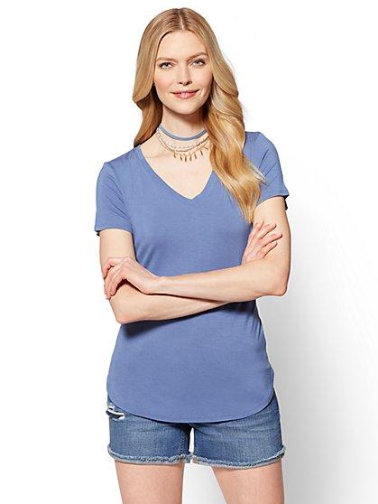 Soho Soft Tee - V-Neck Hi-Lo T-Shirt - New York & Company
