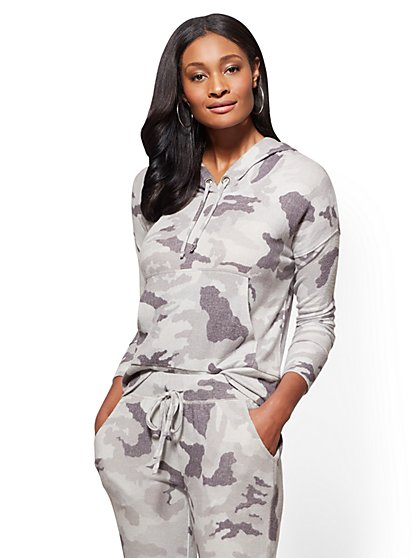 Soho Street - Super-Soft Knit Hooded Sweatshirt - Grey Camo - New York & Company