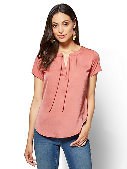 Split-Neck Tie-Front Tee - New York & Company