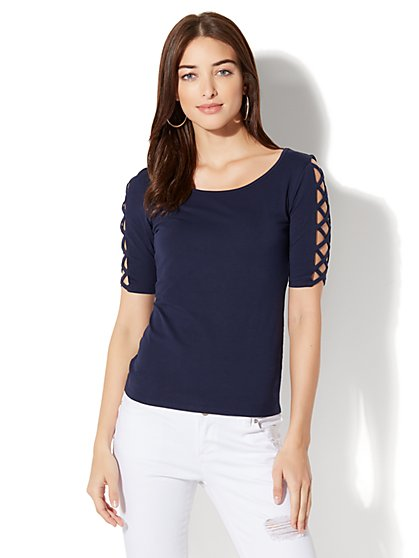 Tee Luxe - Crisscross-Sleeve Scoopneck Top - New York & Company
