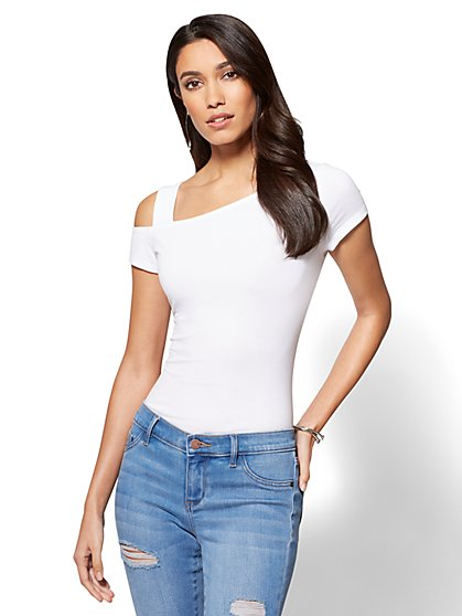 Tee Luxe - Cut-Out Tee - New York & Company