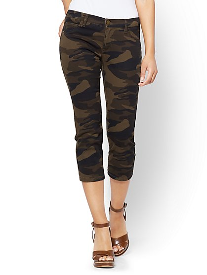 The Crosby Pant - Cropped Slim Leg - Camouflage - New York & Company