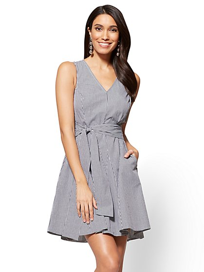 V-Neck Fit & Flare Dress - Gingham - New York & Company