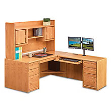 "Medium Oak L-Desk with Right Return and Hutch - 68""W, 8805036"