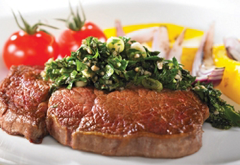 Faux-filet de boeuf sauce chimichurri