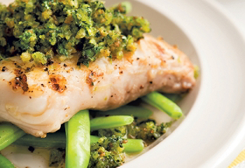 Recipe |Grilled halibut on salsa verde with coriander | SAQ.com