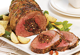 Leg of lamb stuffed with raspberries and nuts