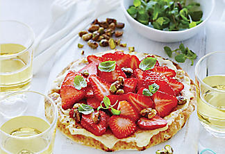 Brunch Pizza With Mascarpone and Strawberries