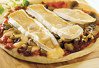 Brie and eggplant pizza