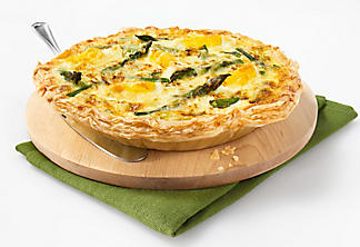 Quiche with asparagus and cheese