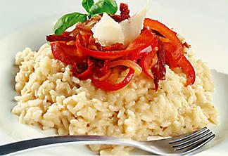 Risotto with sun-dried tomato and red onion