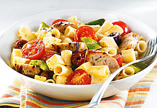 Pasta salad with pesto and Toulouse sausage