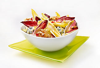 Endive salad with blue cheese