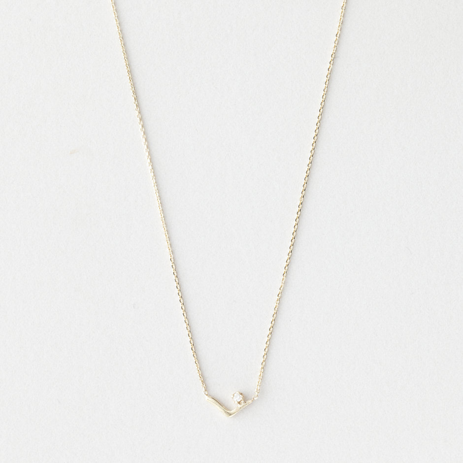 TRIANGLE KAMMIE NECKLACE