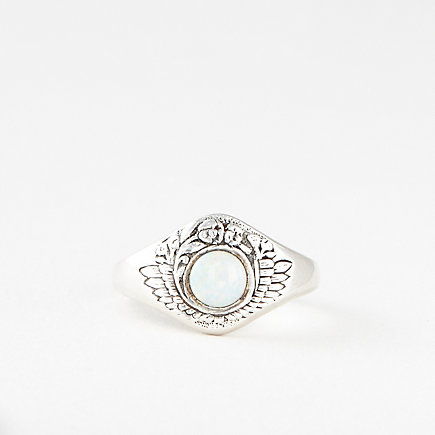 FEATHER AND FLOWER RING OPAL