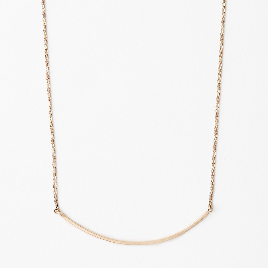 BAR CURVE NECKLACE