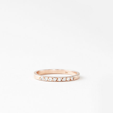 FLAT BAND ROSE GOLD W/ WHITE DIAMONDS