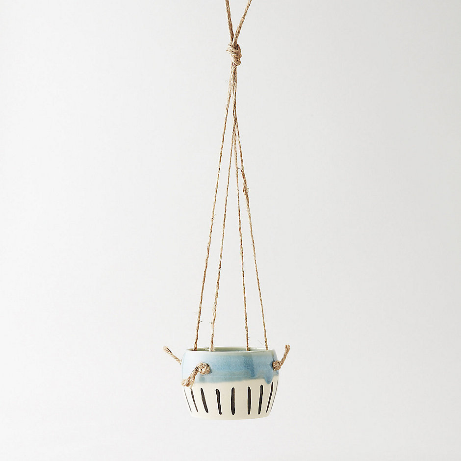HANGING PLANTER OPAL WITH LINES