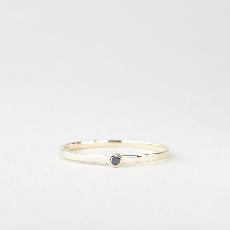 SINGLE BLACK DIAMOND RING