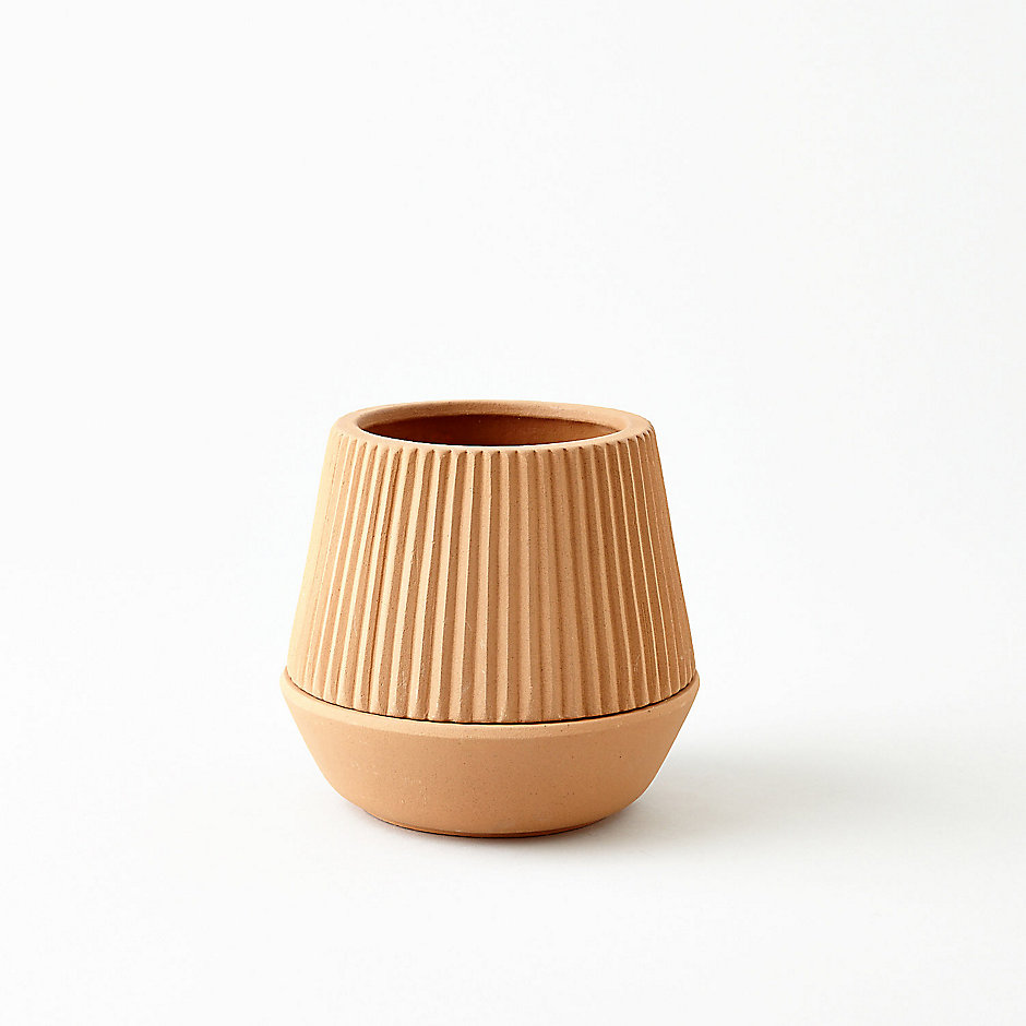 PLANTER EARTHENWARE