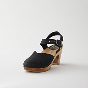 CLOSED TOE CLASSIC MOCCASIN