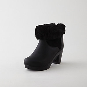 PULL ON SHEARLING BOOT