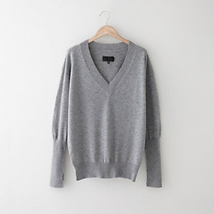 DEEP V-NECK SWEATER