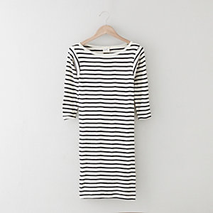 FITTED STRIPED KNIT DRESS