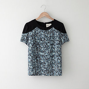 FLORAL COLOR BLOCK TEE